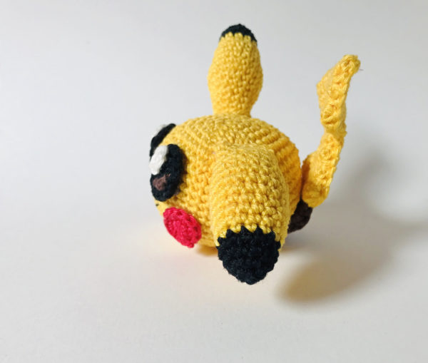 patron amigurumi pika ball pikachu