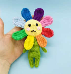 crochet pattern valérie rainbow flower