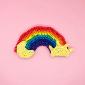 patron crochet amigurumi arc-en-ciel