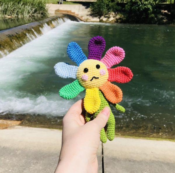 patron crochet fleur arc-en-ciel